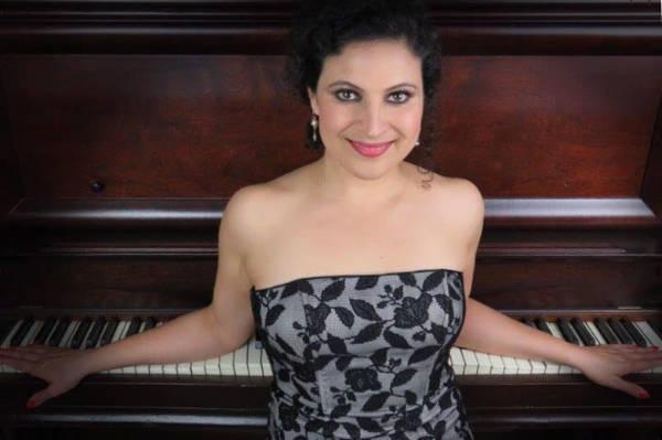 clases de canto en tijuana Eva Monroy Rocha mezzosoprano