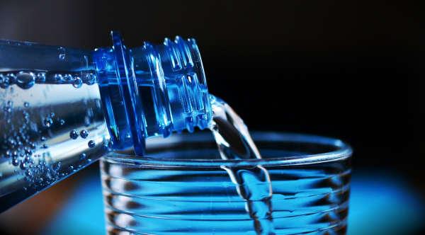 limpiar tu voz agua hidratacion