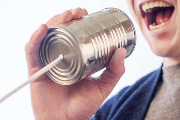 voz hablada aguda o grave
